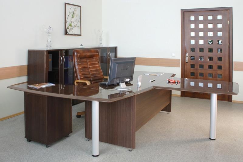Офисная мебель руководителя Консул-Э лак